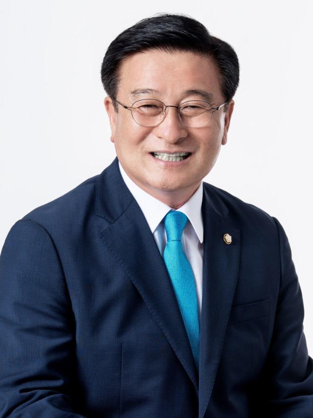 윤재갑의원님 프로필 사진1.jpg