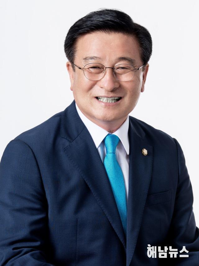 윤재갑의원님 프로필 사진.jpg